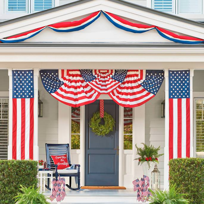 Outdoor-Fourth-of-July-Decorating-1